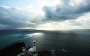 lighthouses-lighthouse-looking-wide-open-sea-horizon-cloud